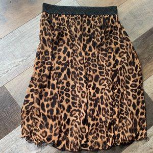 Lularoe cheetah skirt.